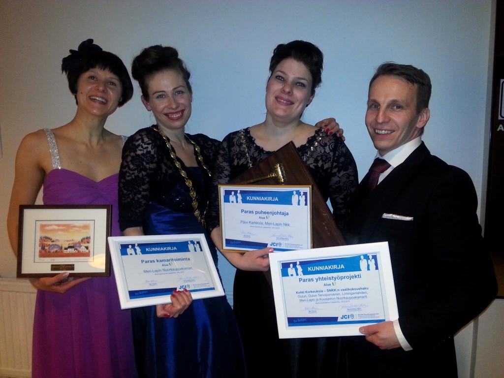 Meri-Lapin Nkk sai Paras Kamaritoiminta 2014 ja Paras yhteistyöprojekti 2014 -palkinnon. Viime vuoden pressamme Päivi Karkkola sai Paras puheenjohtaja 2014 -palkinnon. Hyvä met!!